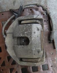 BMW 5er E60 E61 Bremssattel vorne rechts 60/30/324